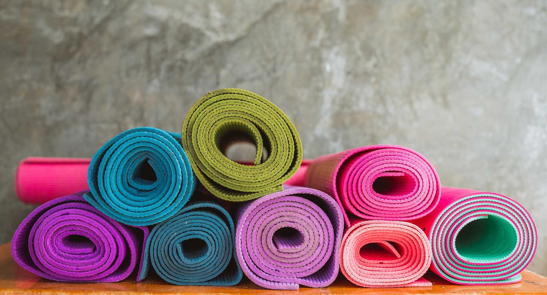 Een yogamat kopen - Deze tips helpen je om een yogamat te kiezen die bij je past.